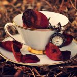 27-02-17-cup-rose-red-petals-clock-leaves-autumn11088
