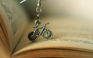 Bicycle-Pendant-Hd-Wallpaper