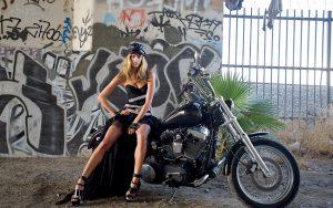 Motorcycle-Girls-And-Harley-Davidson-Wallpaper1
