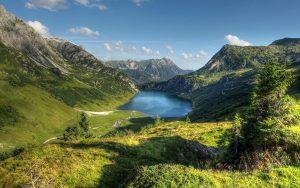 ---austria-alps-mountain-lake-13377
