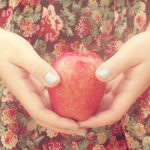 ---girl-hands-apple-9267