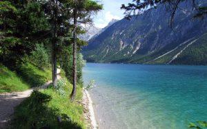 ---lake-footpath-10045