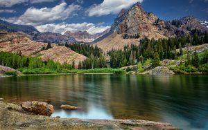---lake-in-mountains-hd-10048