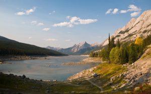 ---lake-mountain-scenery-10053