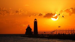 ---lighthouse-sunset-15569