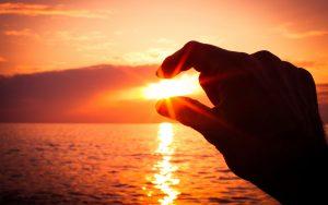 ---sunset-between-fingers-604
