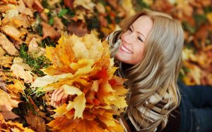 ---girl-autumn-leaves-9234