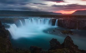 godafoss-2880x1800-waterfalls-iceland-1148