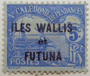 new caledonia postage stamp overprinted iles wallis et futuna black 5c rf postes nouvelle blue m.vollet