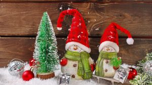 christmas decoration 2560x1440 santa snowmen 4k 3967